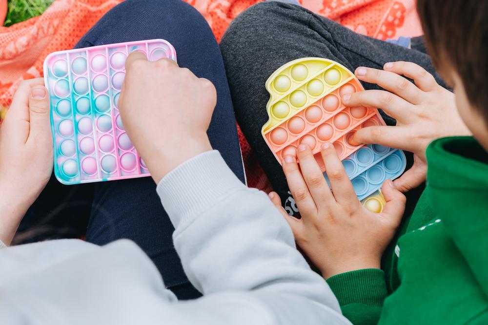 Симпл-димпл и попит: антистресс-игрушки, которые свели с ума тиктокеров