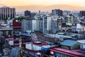 Мехико тонет: земля проседает под ним со скоростью до полуметра в год
