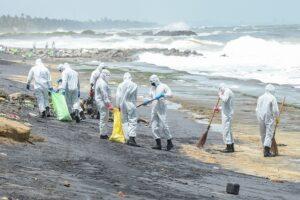 Шри-Ланка переживает крупнейшее в истории загрязнение пляжей