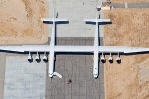 Самый большой самолет в мире опять взлетел