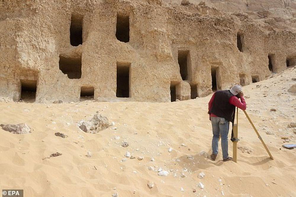 В Египте обнаружили 250 высеченных в скале гробниц, древнейшим из которых более 4 тысяч лет.Вокруг Света. Украина