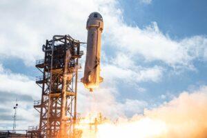 Blue Origin назвала дату полета первых космических туристов