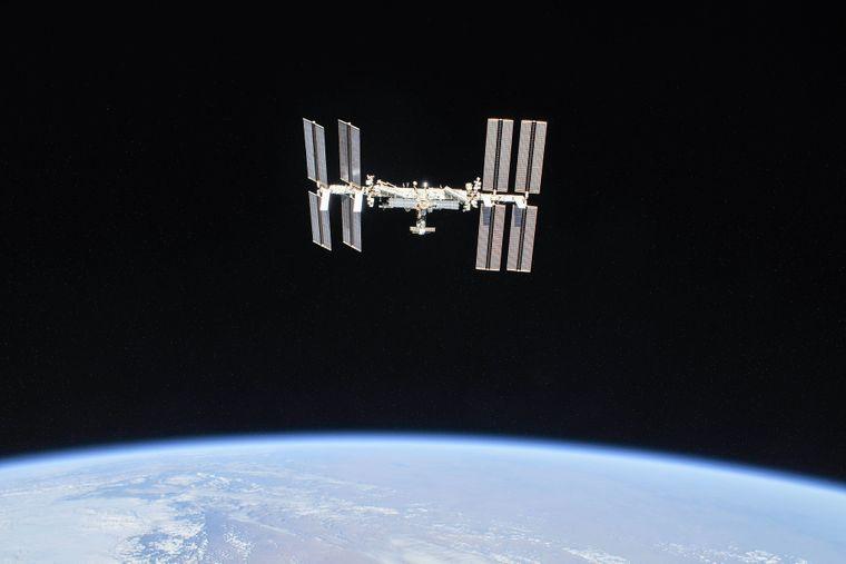 Космический туризм: NASA отправит гостей на МКС в 2022 году