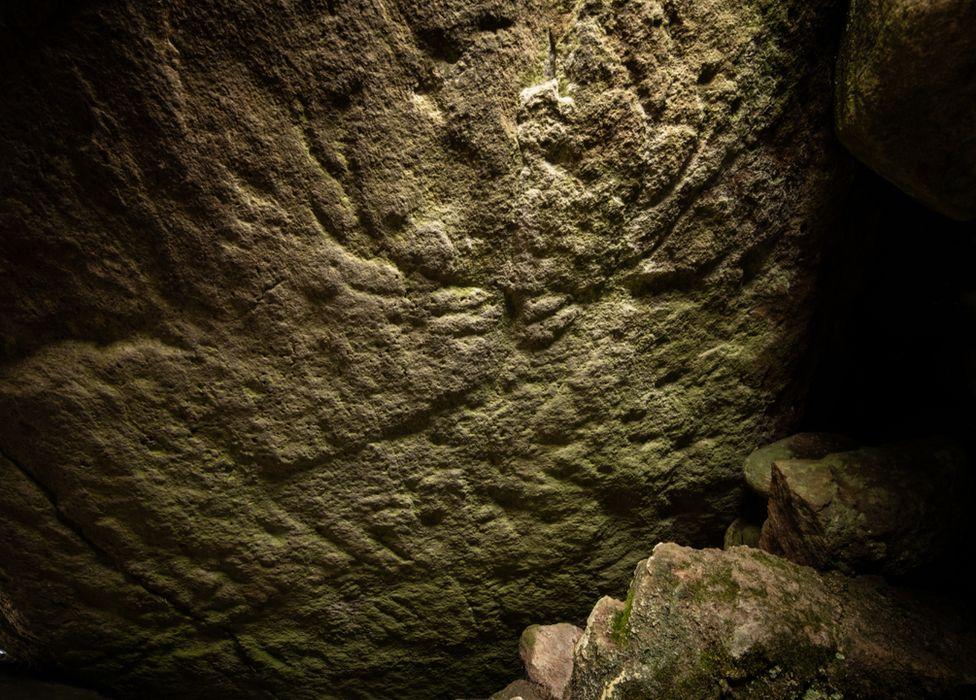 В Шотландии нашли редкий барельеф оленя возрастом 5000 лет.Вокруг Света. Украина
