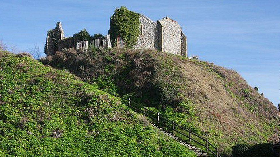 В Англии нашли фрагменты деревянного замкового моста XIII века.Вокруг Света. Украина