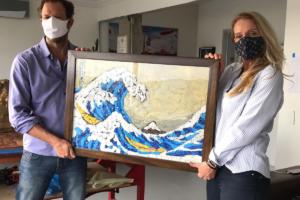 Бразилец создал копии знаменитых картин из пластиковых пакетов