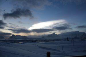 Украинские полярники сняли редкие перламутровые облака