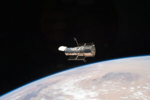 NASA не может вернуть в строй телескоп «Хаббл» уже вторую неделю