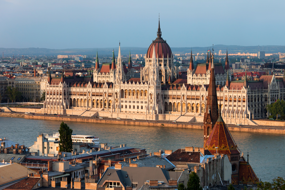 Венгрия первой из стран ЕС признала украинское свидетельство о вакцинации от COVID-19.Вокруг Света. Украина