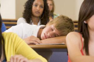 Утренние занятия снижают успеваемость учеников