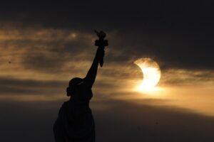 Солнечное затмение 10 июня: как это было