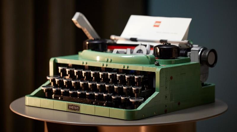 В LEGO выпустили печатную машинку из 2000 деталей. А она работает?.Вокруг Света. Украина