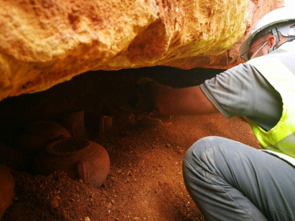 Хорошо сохранившаяся 2000-летняя пуническая гробница найдена на Мальте