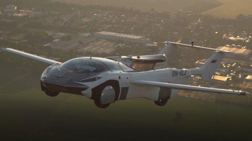 В Словакии успешно протестировали летающий автомобиль