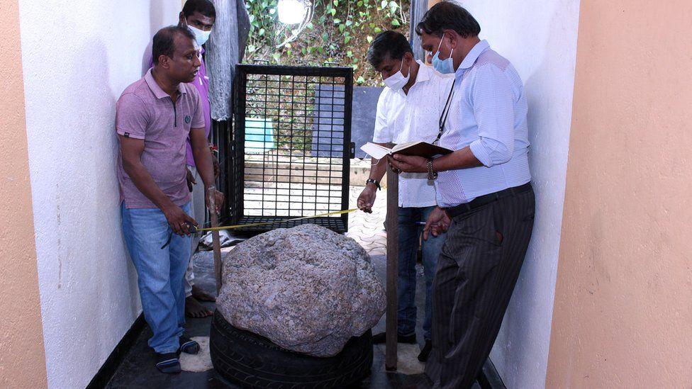 На Шри-Ланке случайно нашли крупнейшее в мире скопление сапфиров.Вокруг Света. Украина