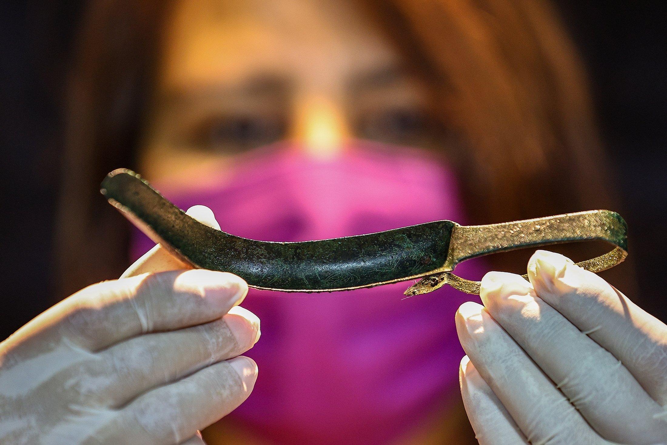 В Измире демонстрируют предметы личной гигиены гладиаторов