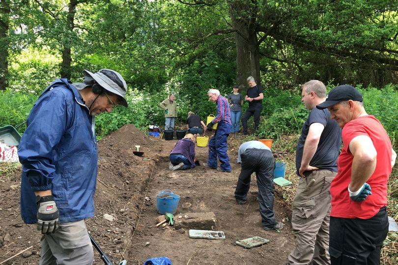 В Шотландии раскопали утерянную каменную дорогу XIII века.Вокруг Света. Украина
