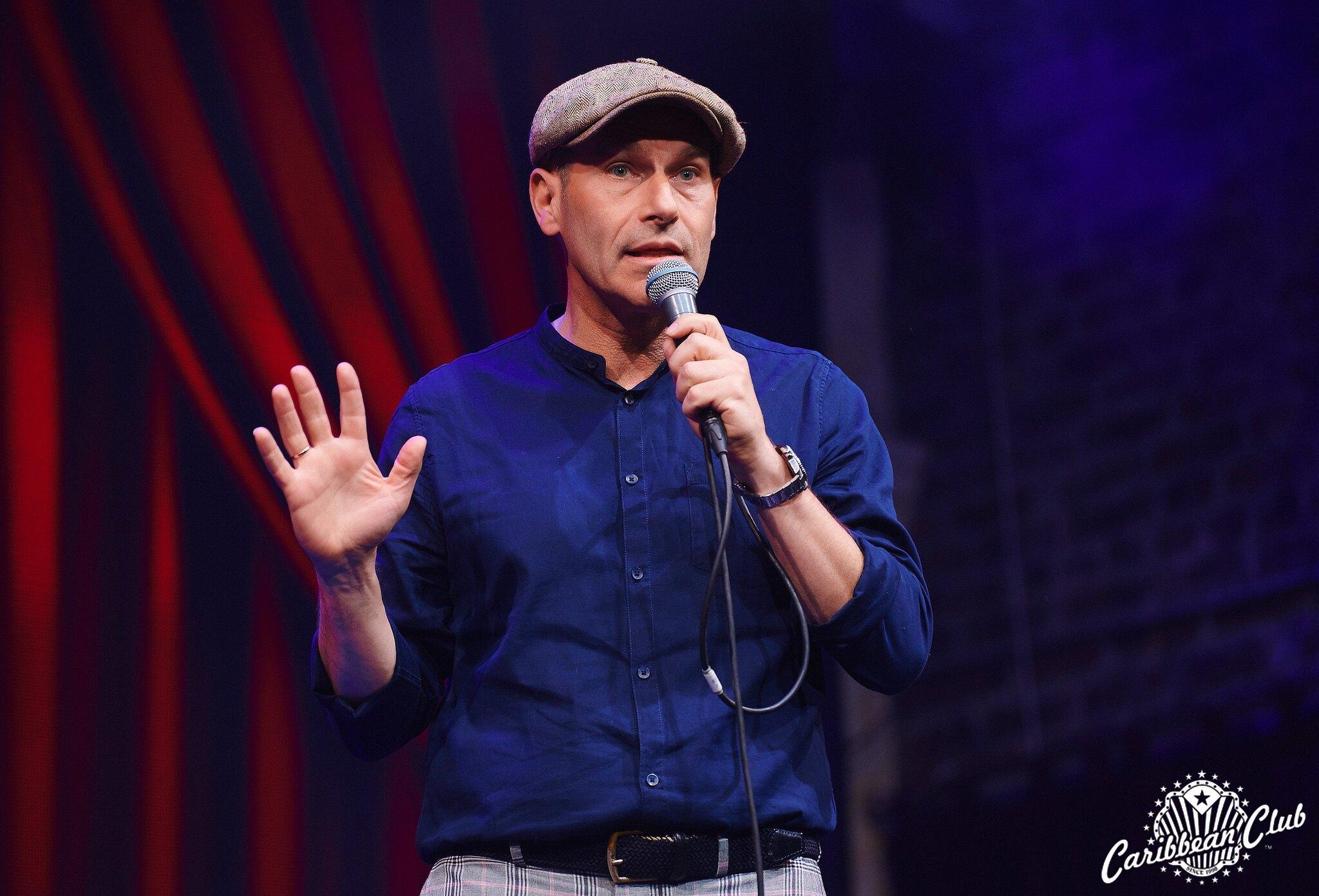 Михаил Шац выступит в Caribbean Club с сольным стендап-концертом