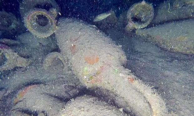 У берегов Сицилии нашли древнеримский корабль с винными амфорами