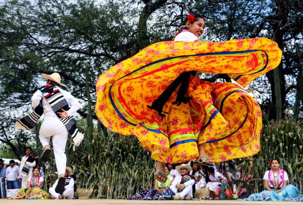 Гелагеца, или Понедельник на холме в Мексике