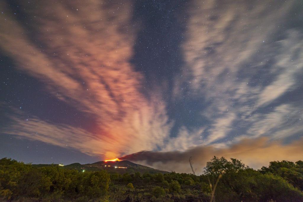 Старые вулканы просыпаются реже, но их извержения более опасны – новое исследование.Вокруг Света. Украина