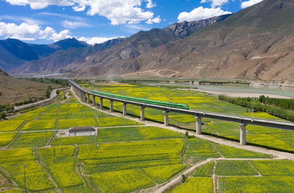 В Тибете запустили первую высотную линию скоростных поездов.Вокруг Света. Украина