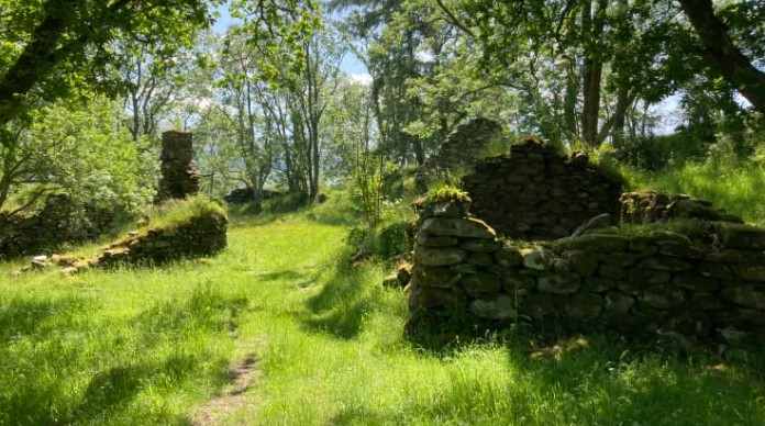 В Шотландии выставили на продажу заброшенную деревню с привидением.Вокруг Света. Украина