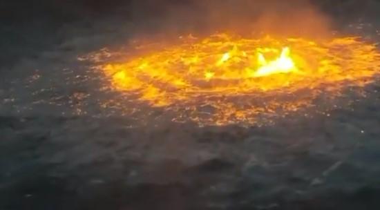 В Мексиканском заливе загорелась вода.Вокруг Света. Украина