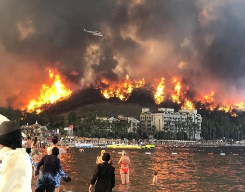 Пожар в Анталии: что делать украинским туристам.Вокруг Света. Украина