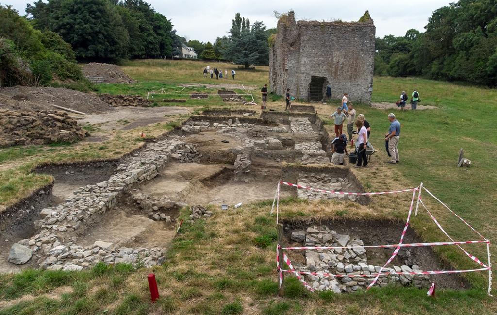 В Ирландии каменный амбар монахов сохранил провизию XIII века