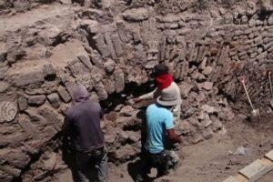 В Мексике закопают древний туннель с ацтекскими знаками
