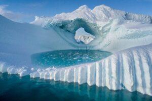 В горах Гренландии впервые в истории наблюдений прошел дождь