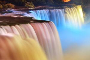 Ниагарский водопад окрасится в цвета украинского флага: где и когда смотреть трансляцию