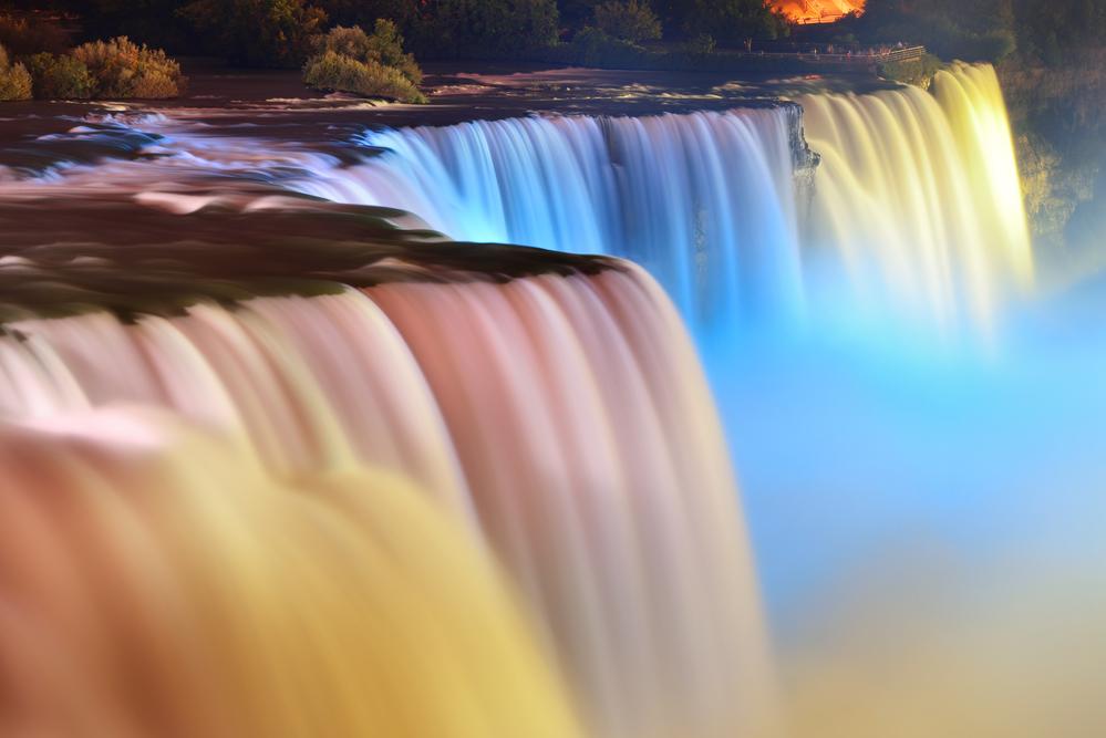 Ниагарский водопад окрасится в цвета украинского флага: где и когда смотреть трансляцию.Вокруг Света. Украина