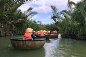 Почему у вьетнамцев лодки круглые