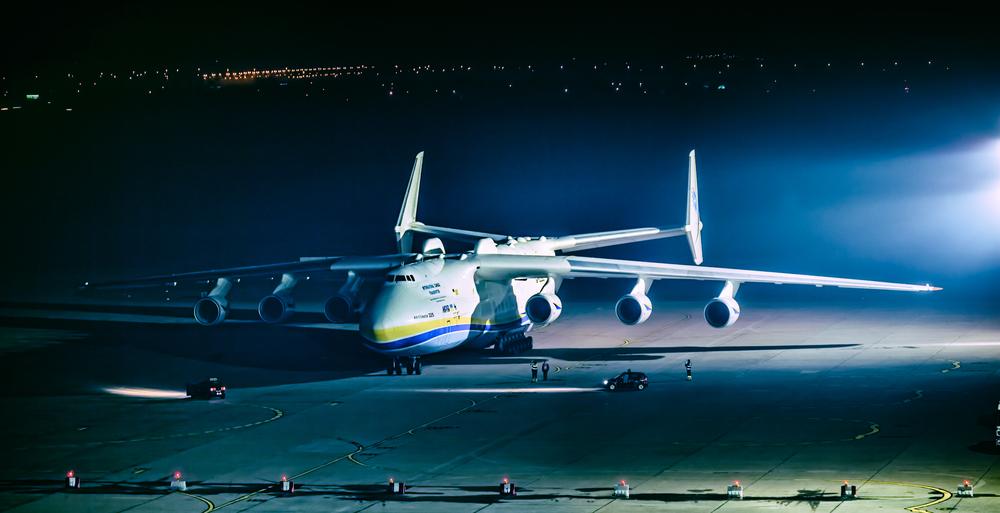 Пилот Ан-225 Мрия провел экскурсию по самому большому самолету в мире.Вокруг Света. Украина