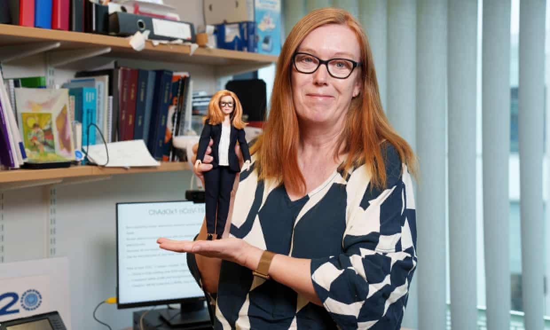В США выпустили Барби в честь разработчицы вакцины AstraZeneca.Вокруг Света. Украина