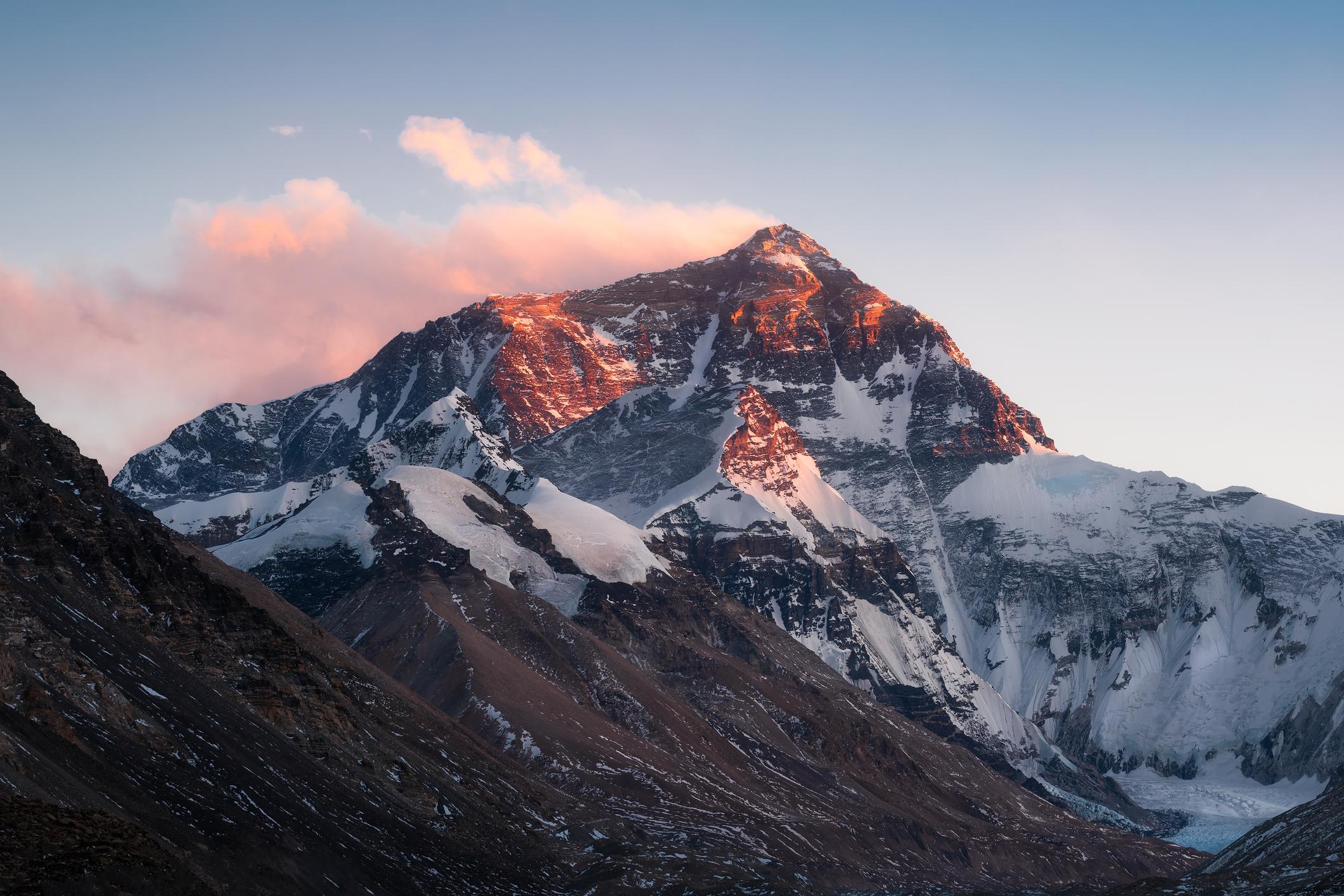 Эверест-Джомолунгма: красавица, Мать Мира, серийная убийца.Вокруг Света. Украина