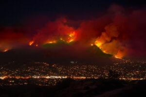 Гигантские облака дыма наносят вред здоровью людей даже вдалеке от лесных пожаров