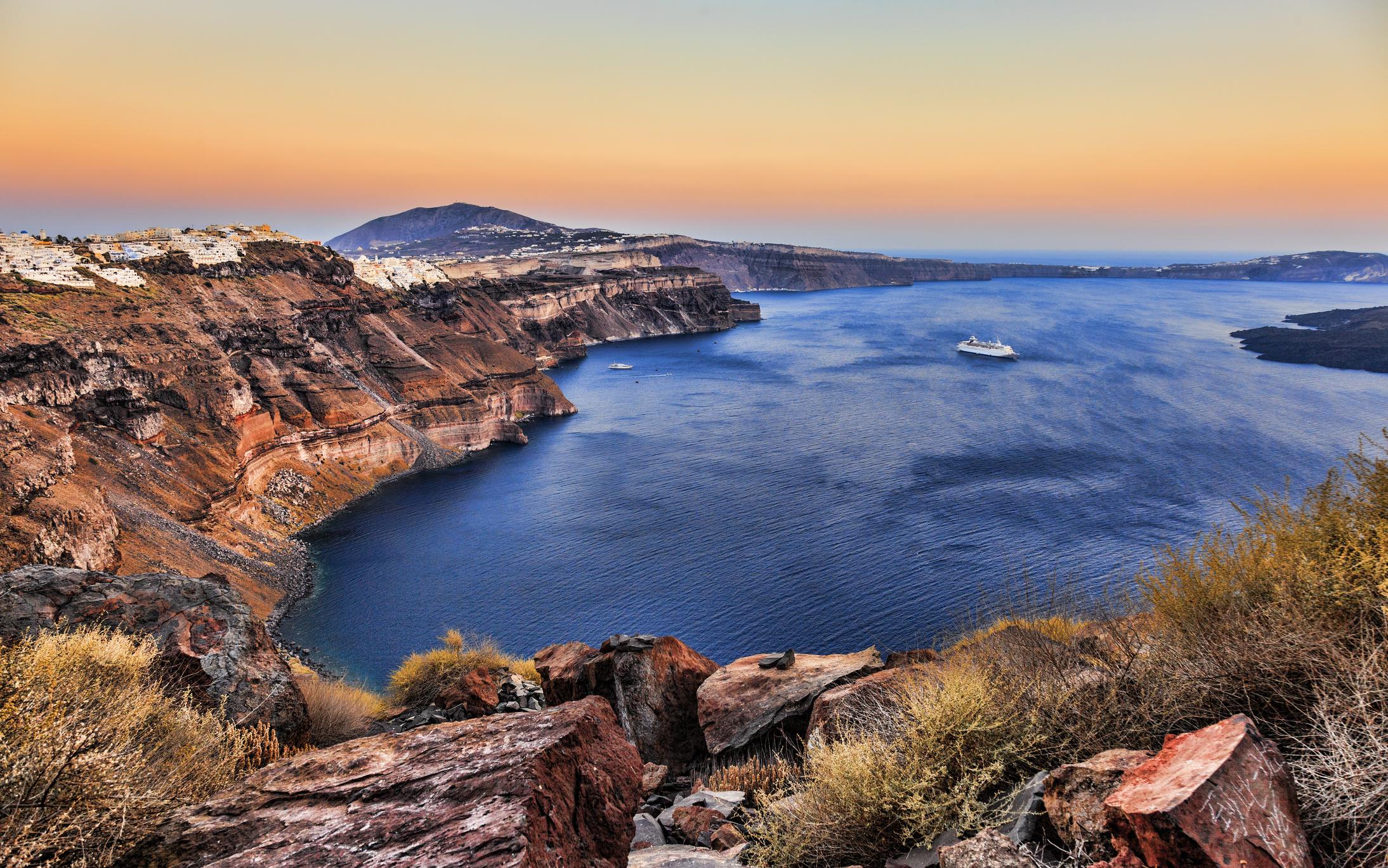 Риск извержения вулкана Санторин определяется уровнем моря.Вокруг Света. Украина