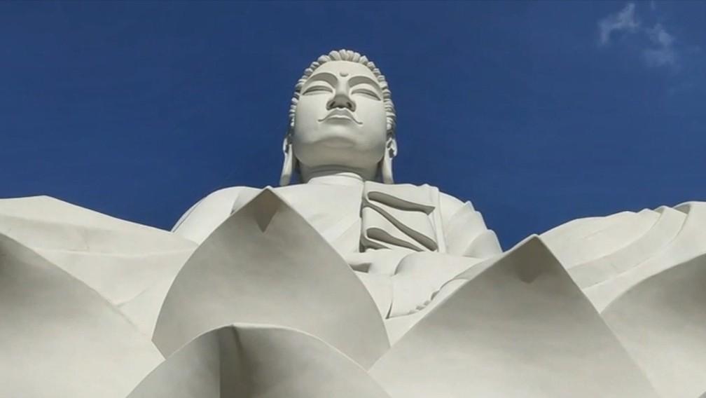 В Бразилии открыли статую Будды, которая выше Христа в Рио-де-Жанейро.Вокруг Света. Украина