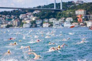 Украинка заняла призовое место в заплыве через Босфор