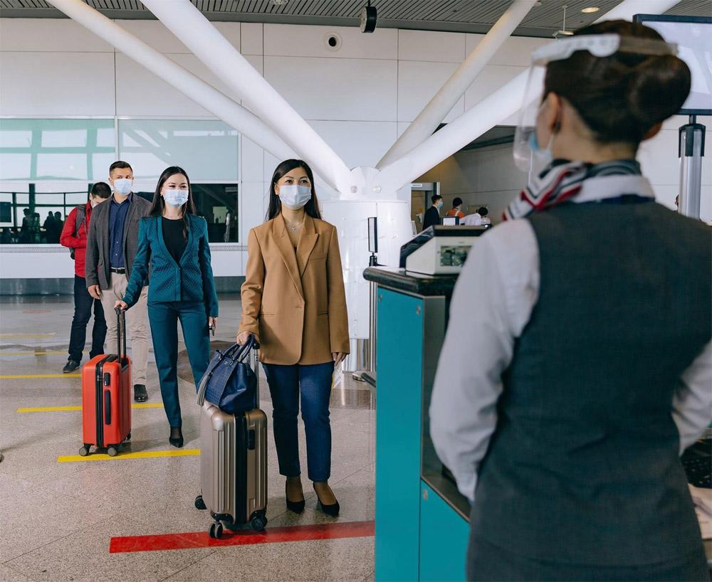 В Казахстане начали взвешивать пассажиров перед вылетом.Вокруг Света. Украина