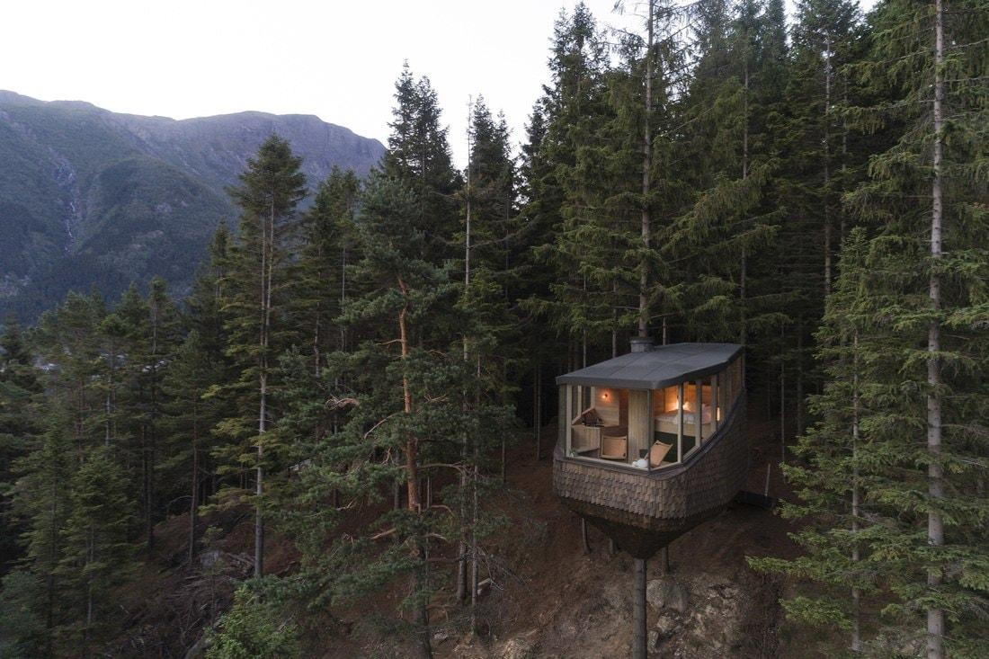 В Норвегии построили отель на деревьях