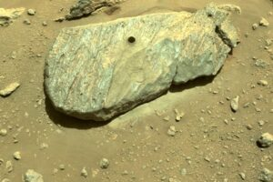 Попытка номер два: марсоход NASA взял пробу грунта Красной планеты