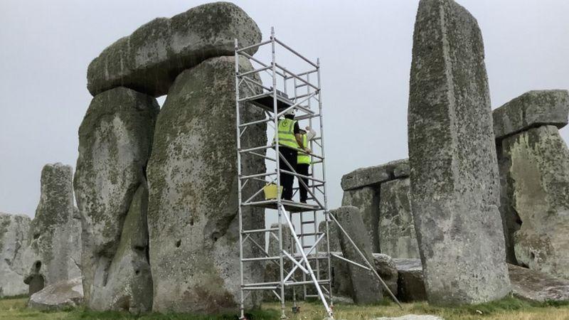 В Британии впервые за 60 лет начали ремонт Стоунхенджа