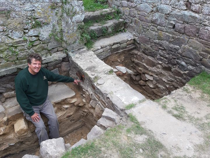 Внутри римского форта на острове в Ла-Манше нашли немецкий бункер.Вокруг Света. Украина