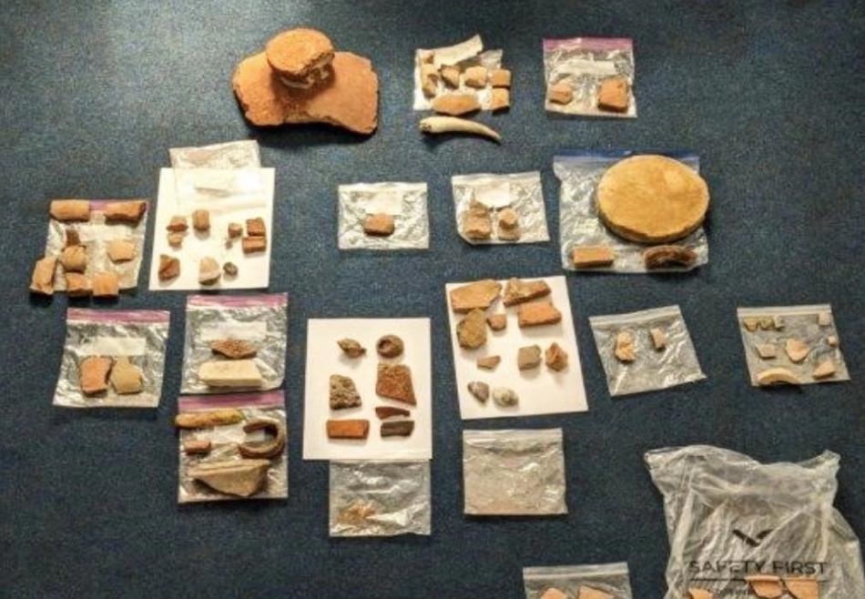 Супругов из США арестовали в аэропорту Афин за вывоз древностей.Вокруг Света. Украина