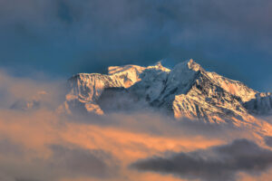 Гора Монблан стала ниже на метр