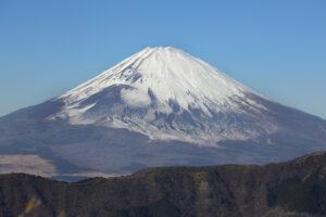 Фудзияму засыпало снегом почти на месяц раньше